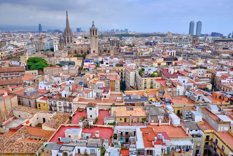 Взгляд сверху старых крыш Барселоны стоковые изображения rf