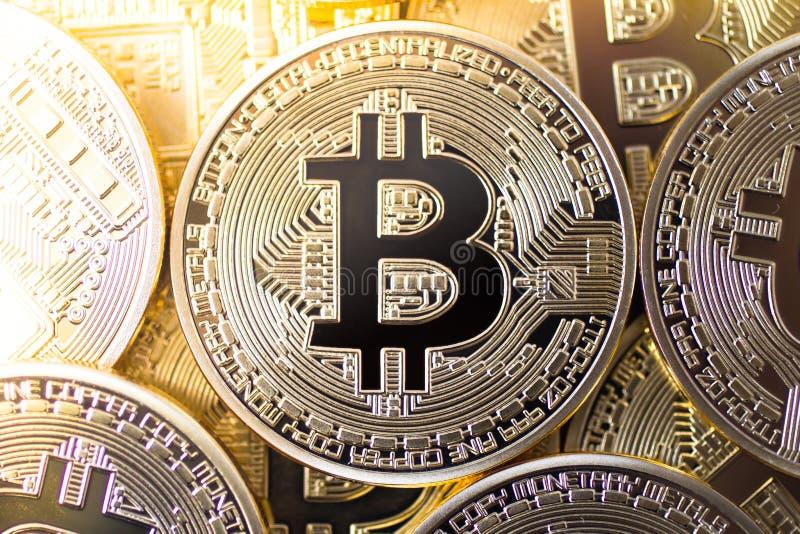Взгляд сверху Bitcoins стоковые фотографии rf