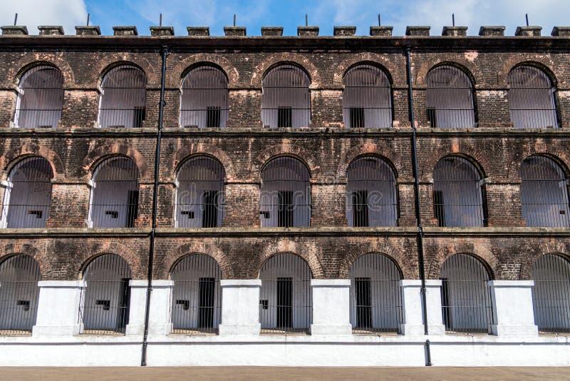 Взгляд со стороны одного из крыльев в тюрьме Port Blair клетчатой стоковые фотографии rf