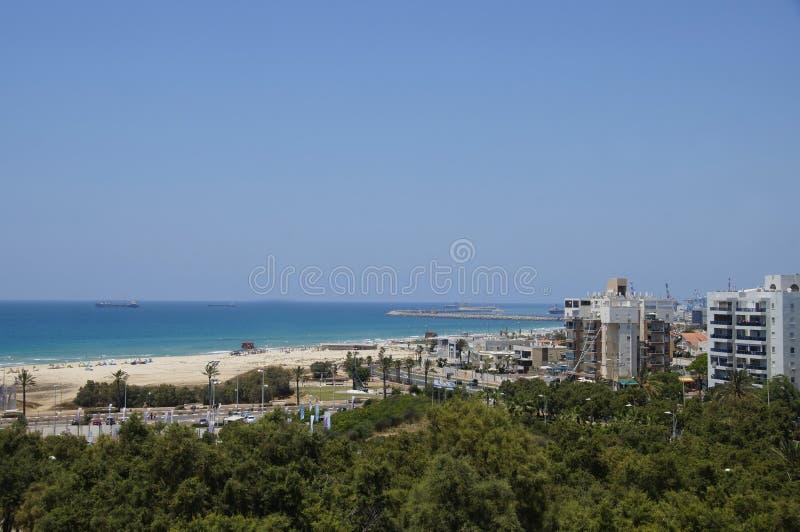 Взгляд Средиземного моря от парка стоковые фото