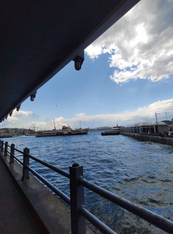 Взгляд Стамбула от Bosphorus, Турции стоковое изображение rf