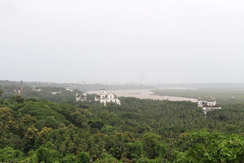 Взгляд старого Goa Goa Velha как увидено от холма Chu стоковое фото rf