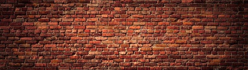 Взгляд старой красной кирпичной стены панорамный стоковое изображение rf