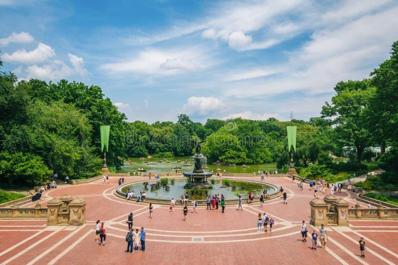 Взгляд террасы Bethesda, в центральном парке, Манхэттен, Нью-Йорк стоковые изображения rf