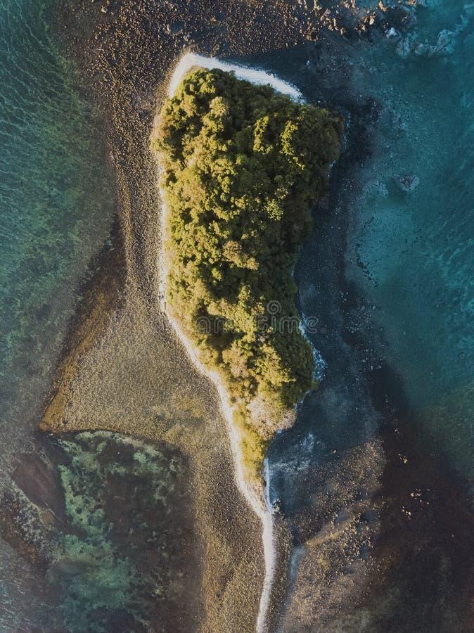Взгляд трутня малого острова стоковое изображение