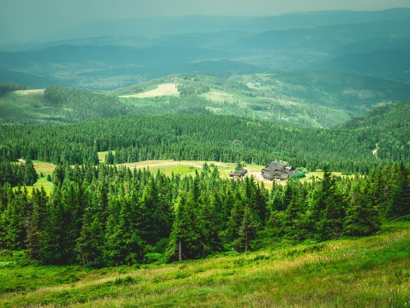Взгляд укрытия горы стоковое изображение