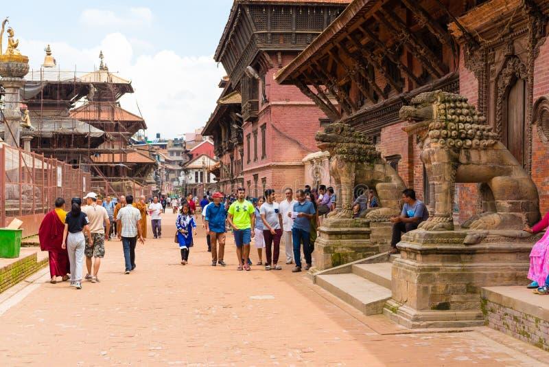 Взгляд улицы на квадрате Patan Durbar, Kathmandu Valley, Непале стоковая фотография rf