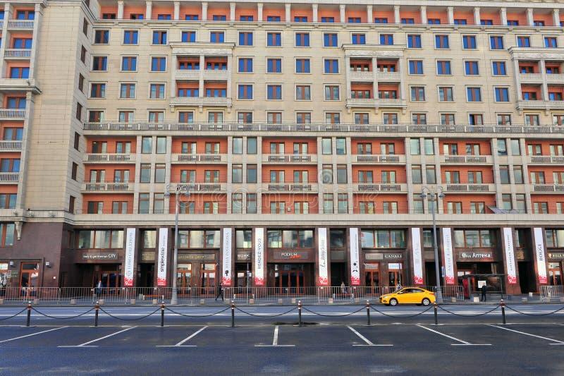 Взгляд улицы ryad Okhotniyy, Москвы стоковые изображения