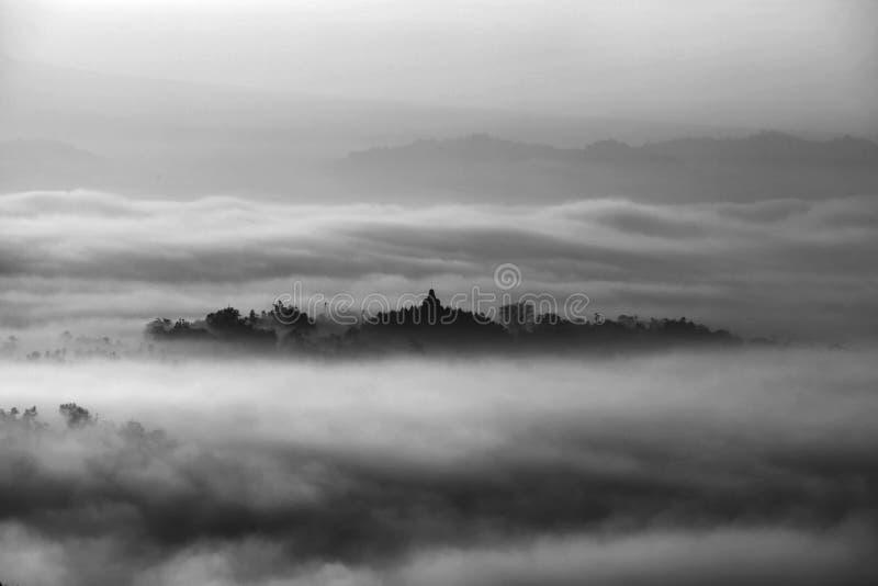Взгляд утра виска Borobudur, Magelang Индонезии стоковая фотография rf