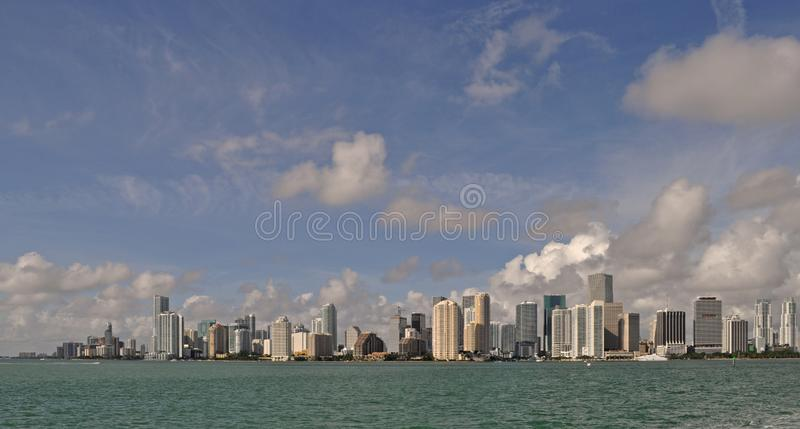 Взгляд утра горизонта Майами Bayfront стоковое фото