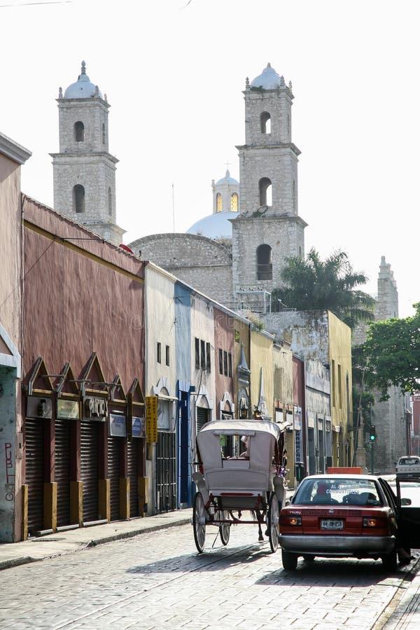 Взгляд утра улиц в центре Мериды, Юкатана, Mexic стоковая фотография