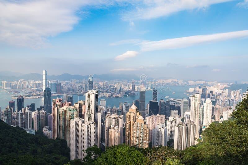 Взгляд центра города Гонконга от пика Виктория стоковые фото