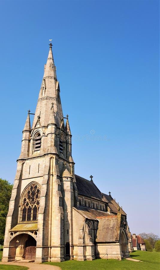 Взгляд церков ` s St Mary, аббатство фонтанов стоковое фото rf