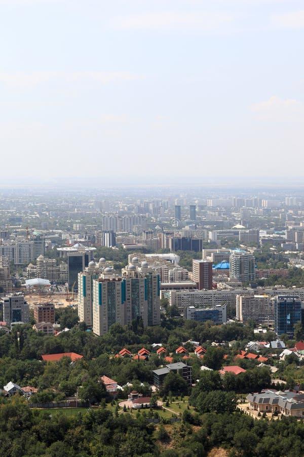 Взгляд Almaty от холма стоковое фото