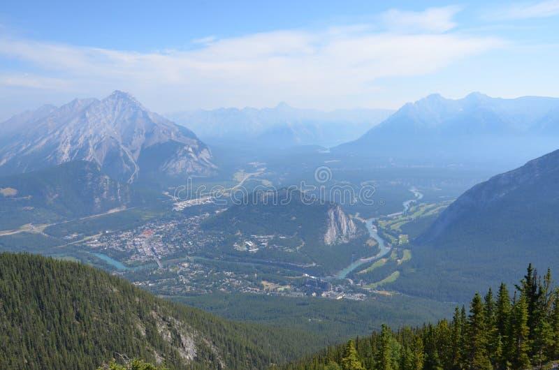 Взгляд Banff от гондолы Banff стоковая фотография