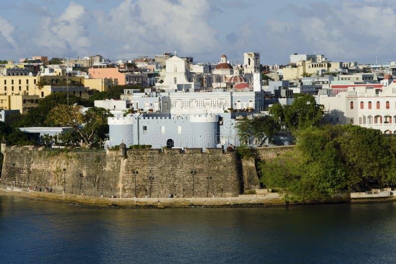 взгляд juan старый Пуерто Рико san вечера стоковые фотографии rf