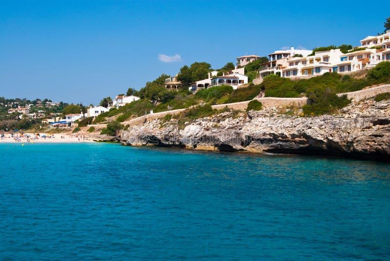 взгляд romantica гостиниц cala пляжа стоковые фотографии rf