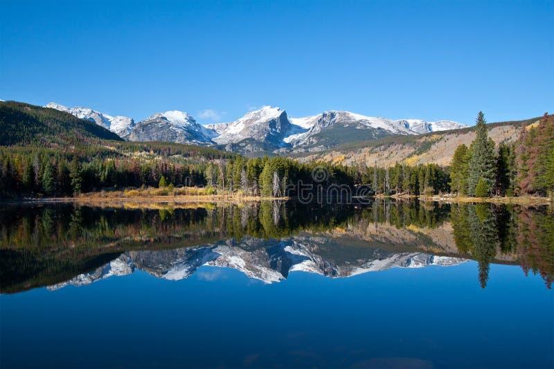 взгляд sprague национального парка гор озера утесистый стоковые фотографии rf