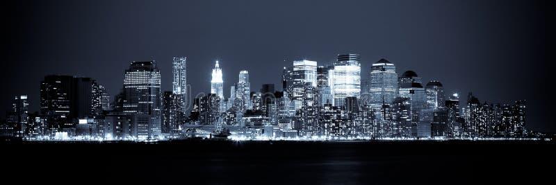 взгляд york горизонта ночи manhattan новый стоковая фотография rf