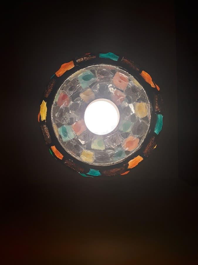 Взгляните на красивых лампах ночи ниже стоковые изображения rf