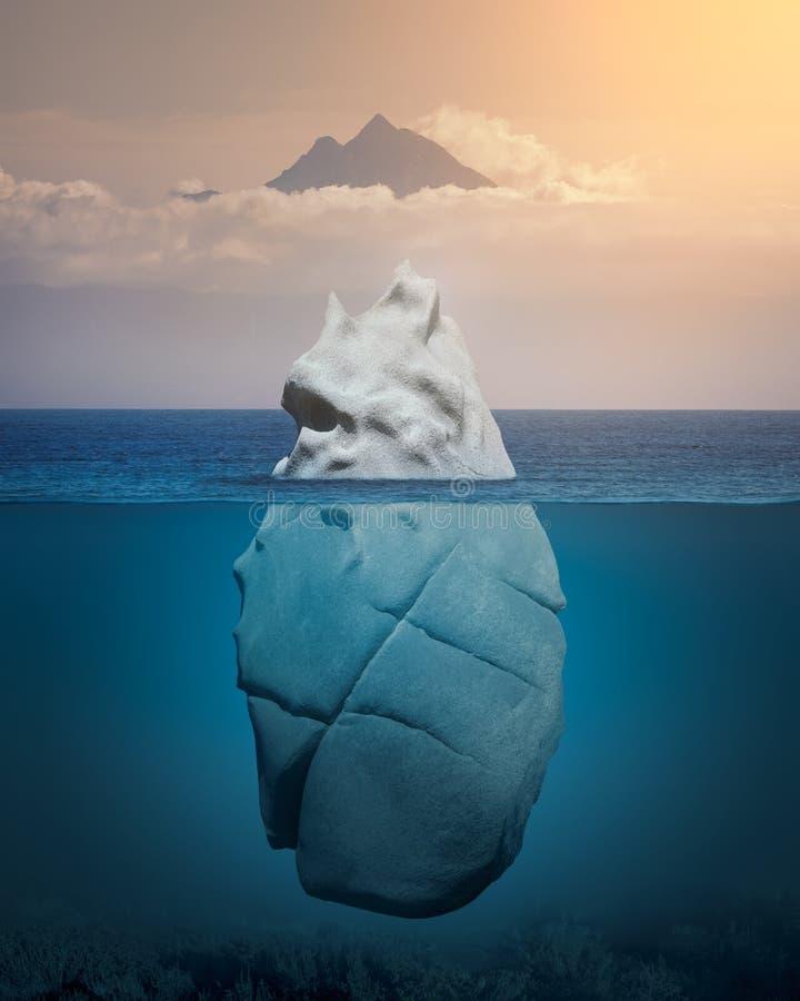 Взгляд айсберга над и под поверхность воды стоковые изображения