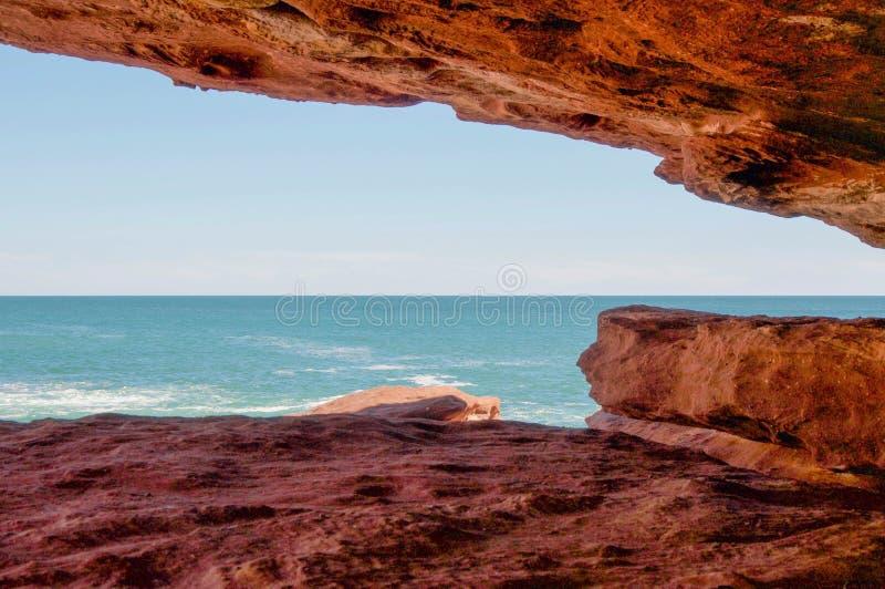 Взгляда скалы песчаника вне стоковое изображение rf