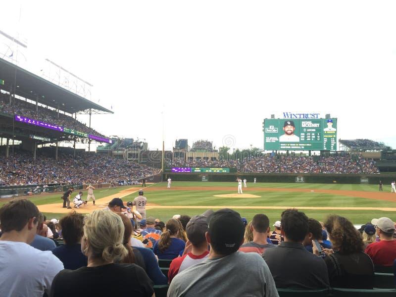 Взгляд бейсбольного стадиона поля Чикаго wrigley стоковое изображение rf