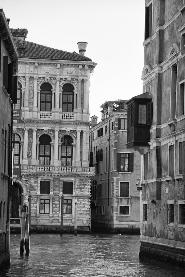 Взгляд Венеции в черно-белом стоковые изображения