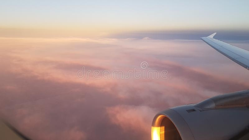 Взгляд вне самолет стоковое изображение rf