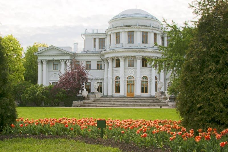 Взгляд дворца на острове Yelagin Санкт-Петербург стоковое изображение