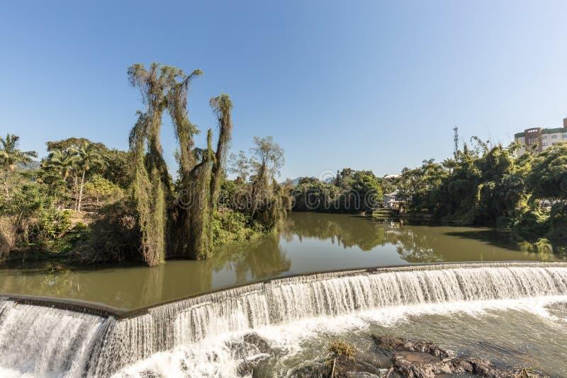 Взгляд водопада города Timbo, Санта-Катарина стоковое изображение rf