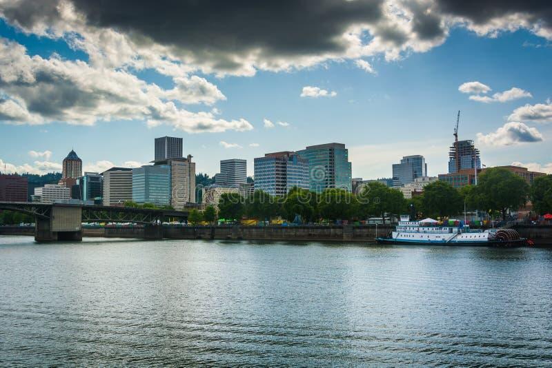 Взгляд горизонта от эспланады Eastbank стоковые изображения