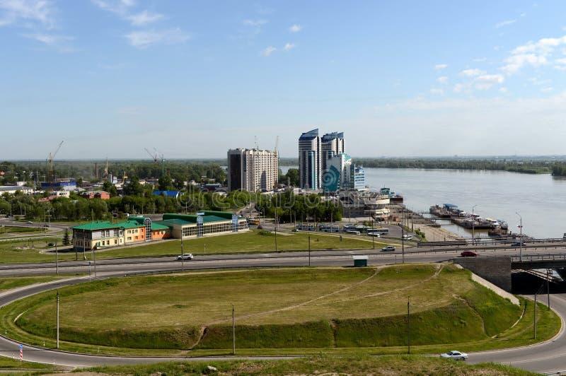 Взгляд города Barnaul от гористой части стоковые фотографии rf