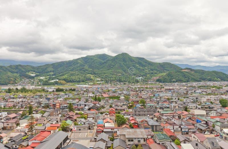 Взгляд города Kaminoyama от замка Kaminoyama, Японии стоковые фото