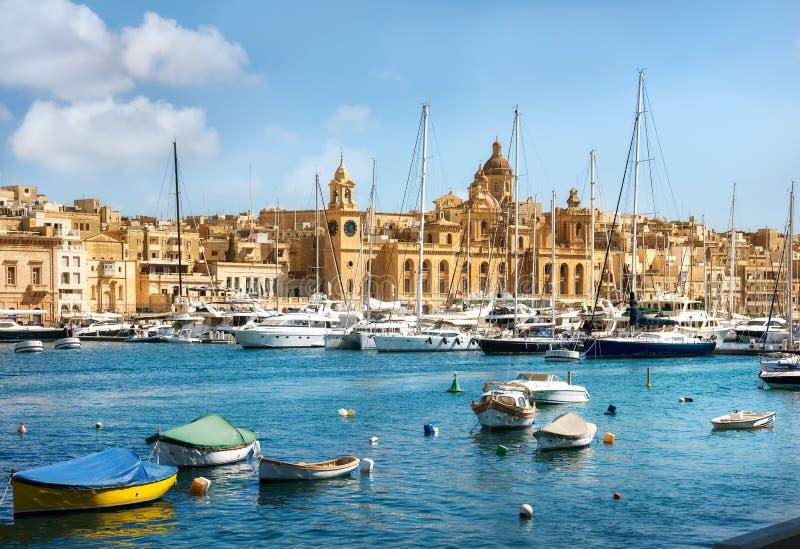 Взгляд городка и гавани valletta malta стоковое изображение rf