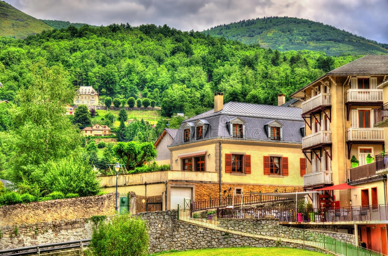 Взгляд городка оси-les-Thermes - Франции стоковая фотография rf