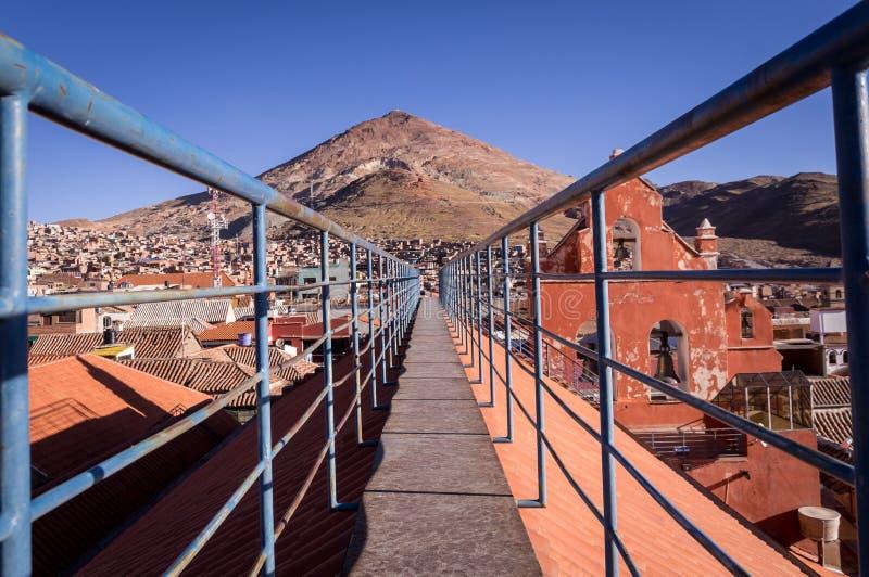 Взгляд горы Cerro Rico в Potosi, Боливии стоковая фотография