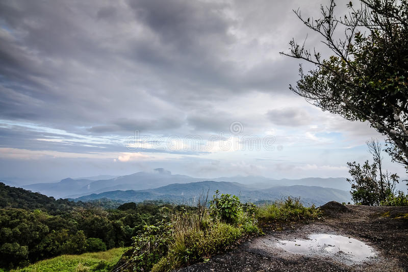 Взгляд горы Inthanon, Чиангмая, Таиланда стоковая фотография rf