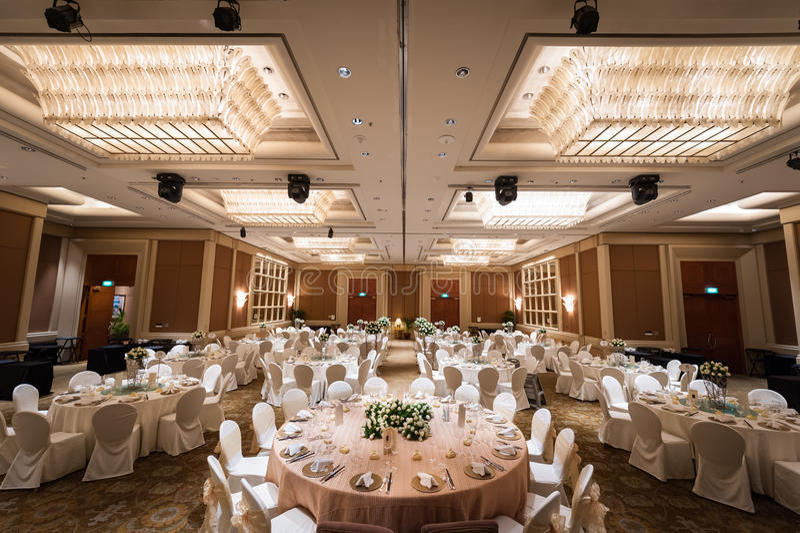 Взгляд грандиозной установки банкета свадьбы стоковое фото rf
