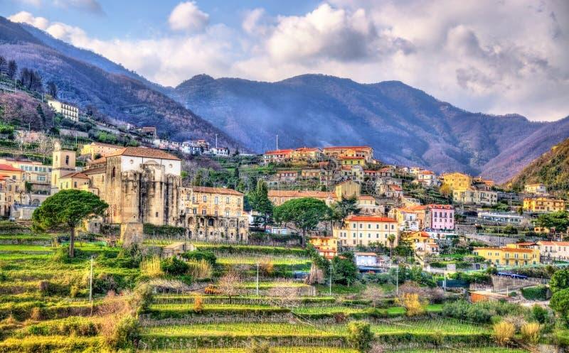 Взгляд деревни Scala от Ravello стоковые фотографии rf