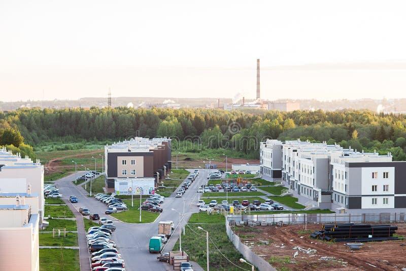 Взгляд жилого района с домами стоковое фото rf