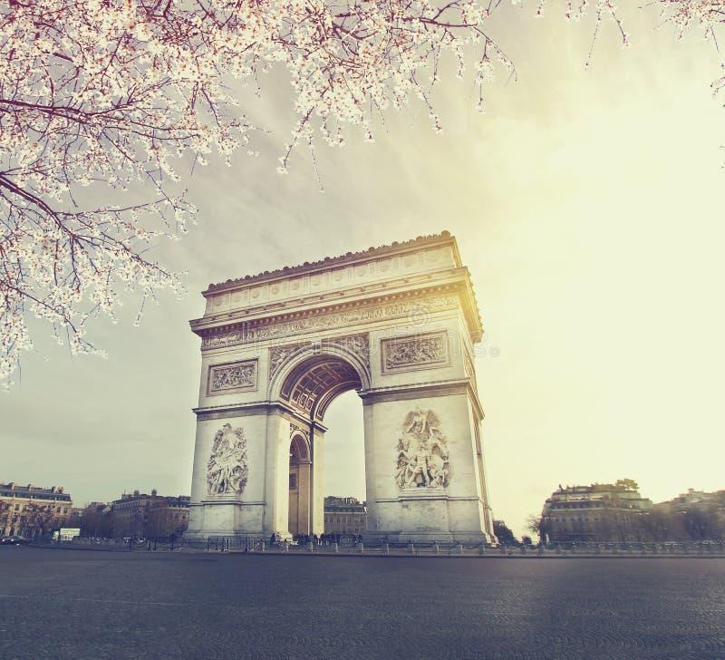 Взгляд захода солнца городского пейзажа Парижа стоковые изображения rf