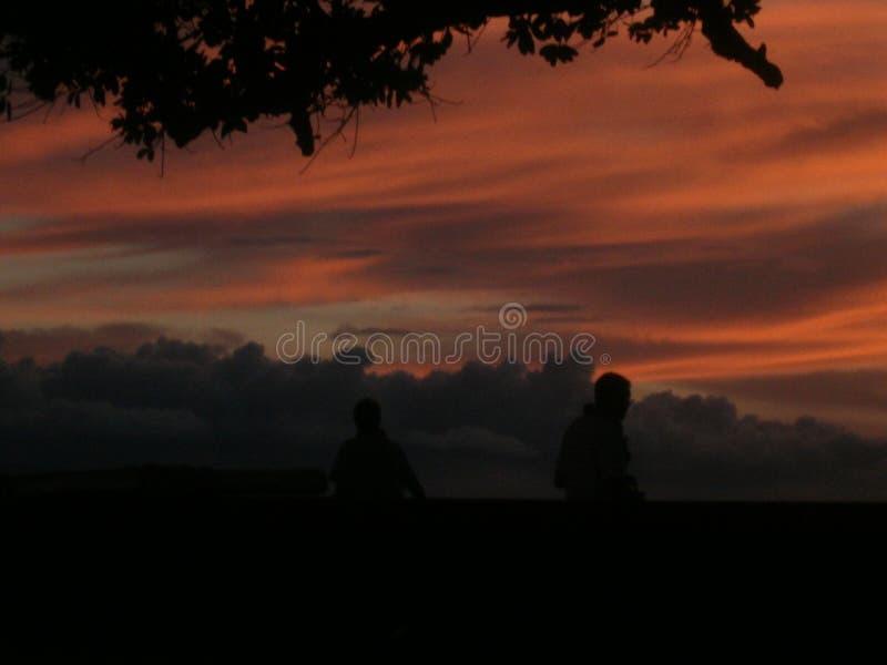 Взгляд захода солнца с облаками стоковые изображения rf