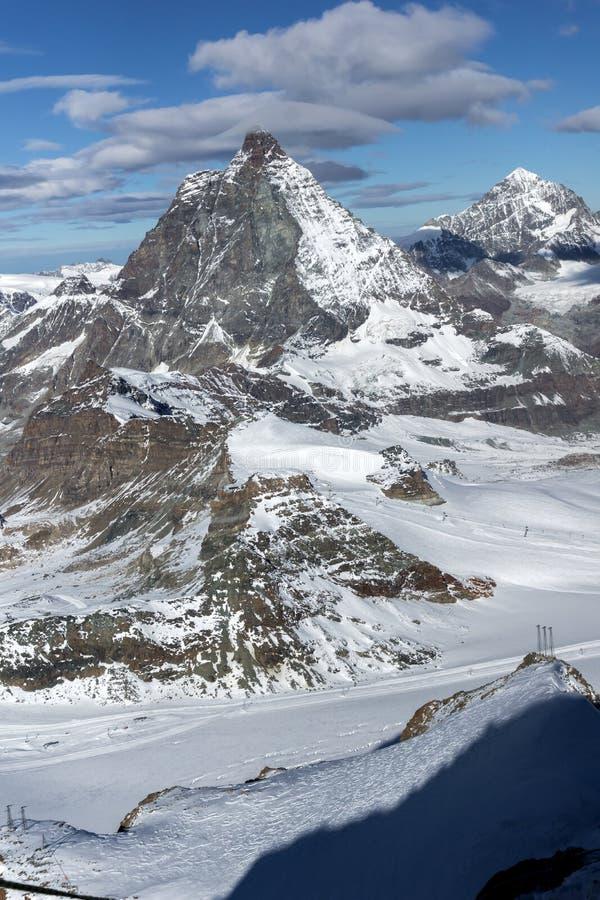 Взгляд зимы держателя Маттерхорна, кантона Вале, Альпов стоковое фото rf