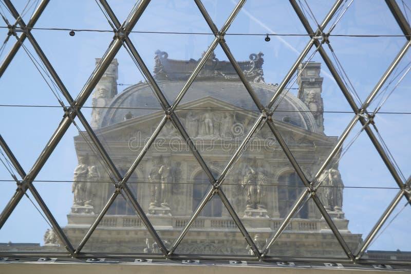 Взгляд изнутри Лувра, Париж, Франция стоковое фото