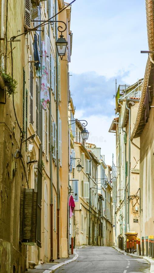 Взгляд исторического квартального Le Panier в марселе в Франции стоковые изображения rf