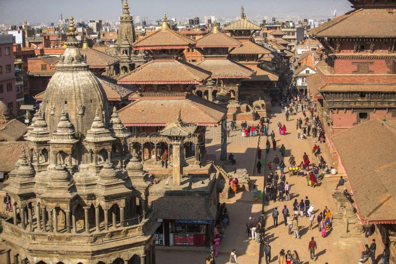 Взгляд квадрата Patan Durbar Оно один из 3 королевских городов в Катманду, очень популярном пятне для туристов стоковая фотография rf