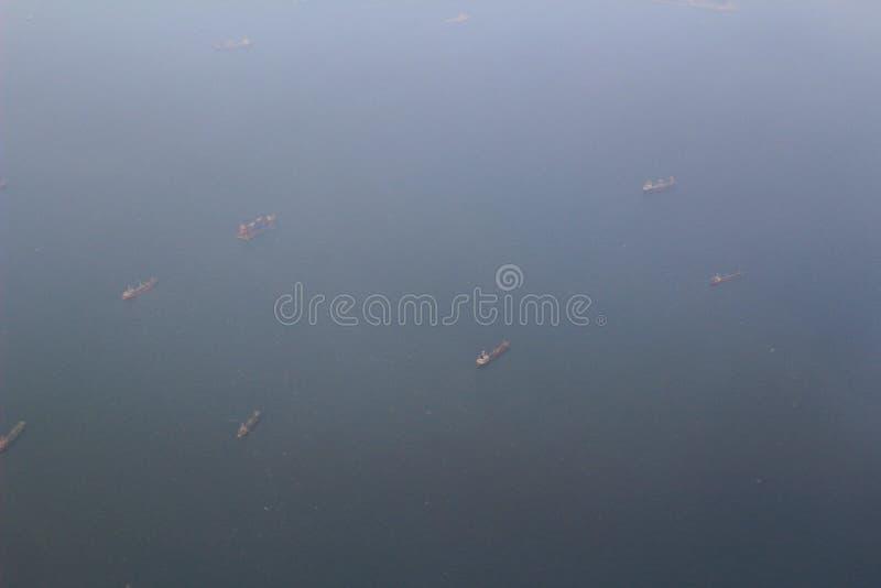 взгляд корабля далеко в море стоковая фотография rf