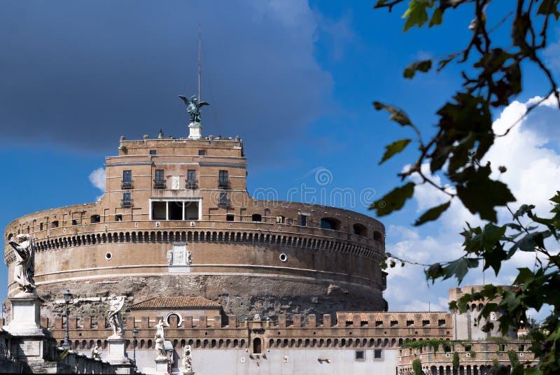 Взгляд к замку Angelo Святого стоковые фото