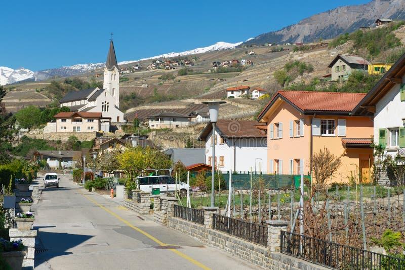 Взгляд к улице брига (Бриг-Glis), Швейцарии стоковые фотографии rf